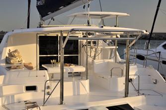 https://www.antarescatamarans.com/img/dodger/catamaran-aft2.jpg
