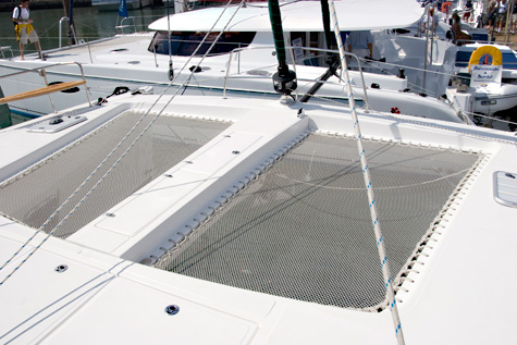 Example of trampoline on a catamaran